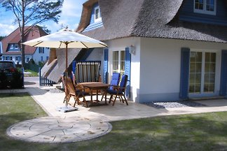 Exclusive thatched holiday home Karlshagen