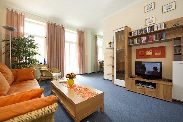 Wohnzimmer mit Couchbett