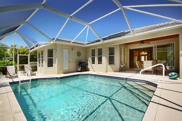 Villa at Three Oaks in Fort Myers - immagine 1