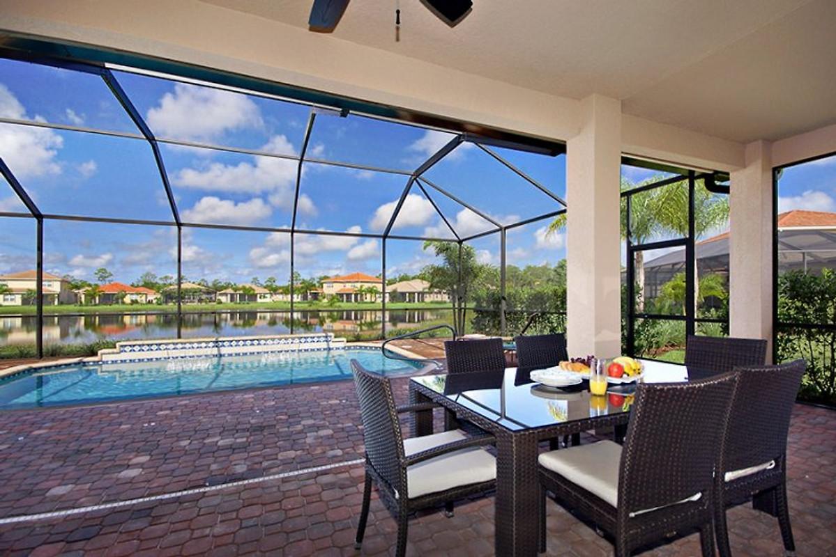 villa hibiscus ferienhaus in fort myers mieten. Black Bedroom Furniture Sets. Home Design Ideas