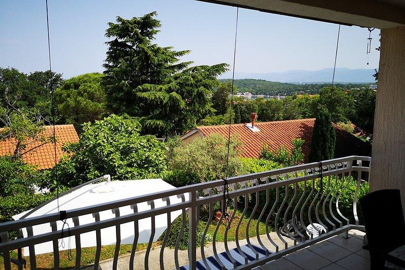 Ueberdachte Terrasse mit Meerblick