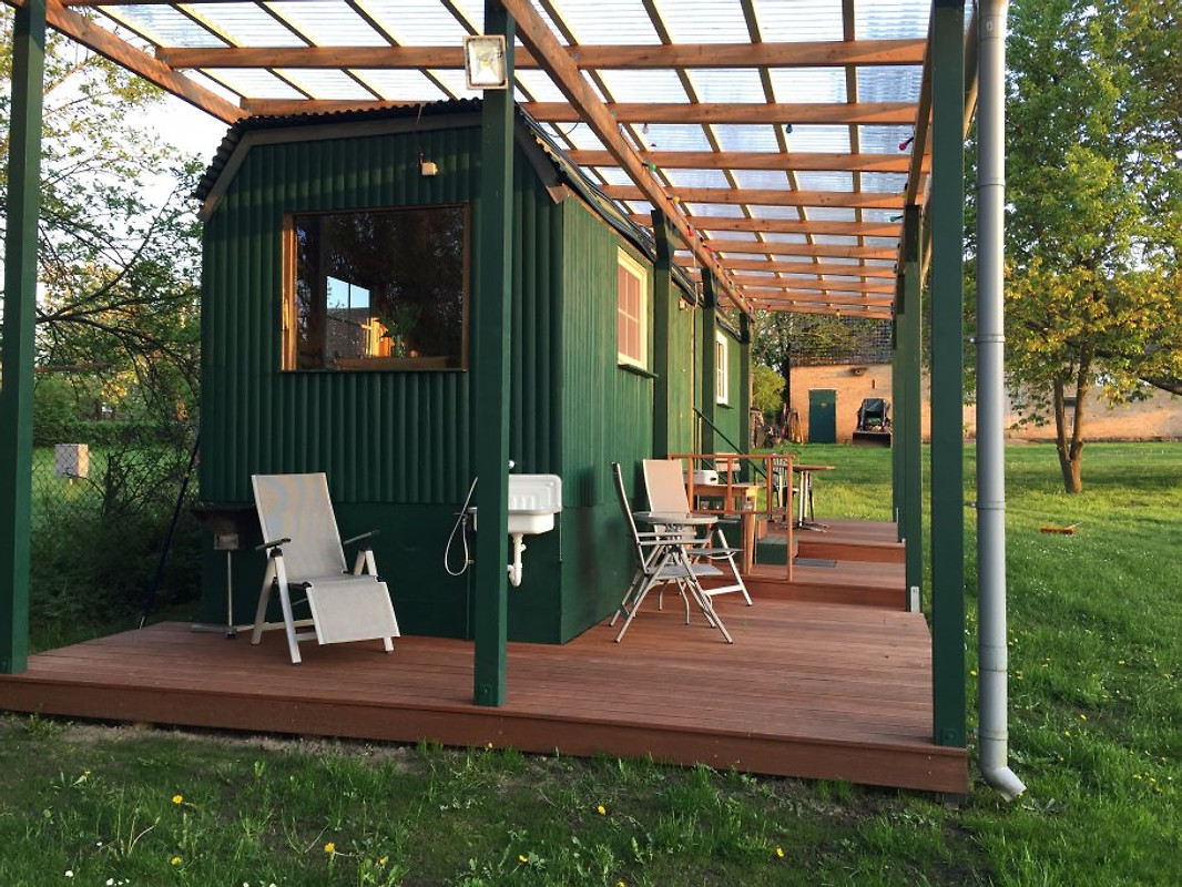 ausgebauter bauwagen in diemitz unterkunft in diemitz mieten. Black Bedroom Furniture Sets. Home Design Ideas