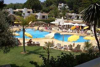 A 2 bedroom apartment on Club Albufeira Resort  -Casa Katie