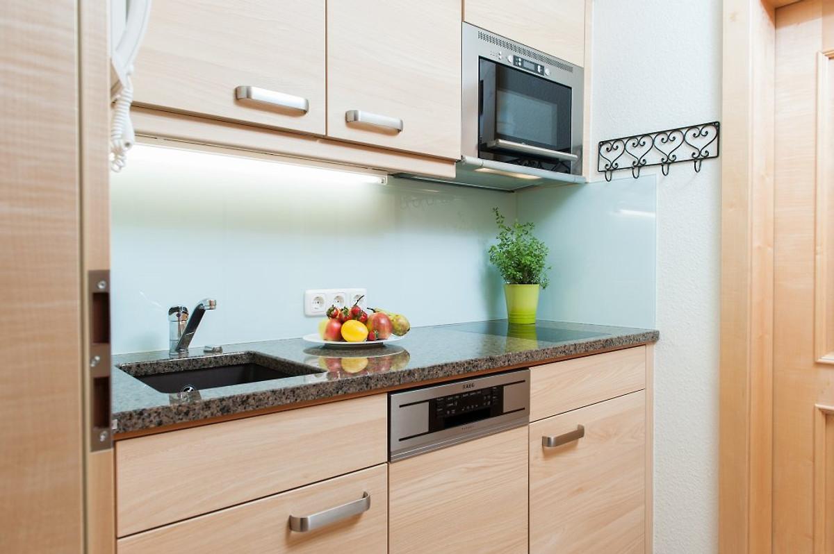 ferienwohnung 2 und 4 traumblick ferienwohnung in oberstdorf mieten. Black Bedroom Furniture Sets. Home Design Ideas