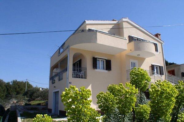 Apartmani Ljilja à Slatine - Image 1