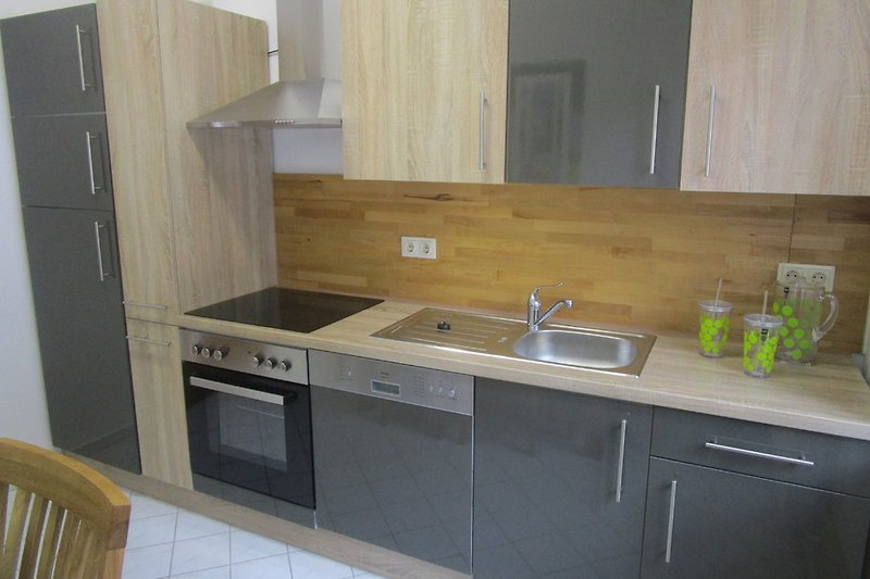 ferienapartment alte knabenschule ferienwohnung in pirna mieten. Black Bedroom Furniture Sets. Home Design Ideas