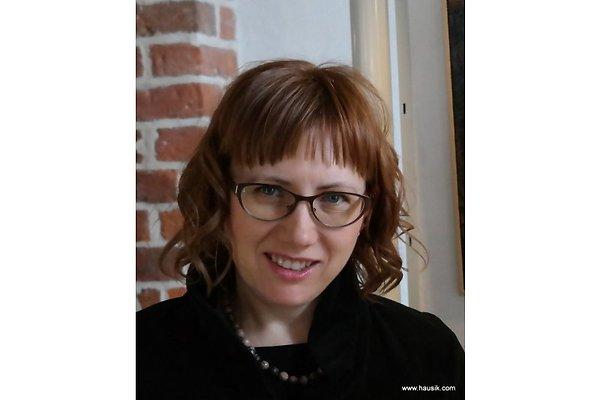 Ms A. Rogocz