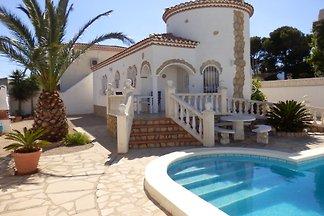 Villa Liane mit Pool und Klima