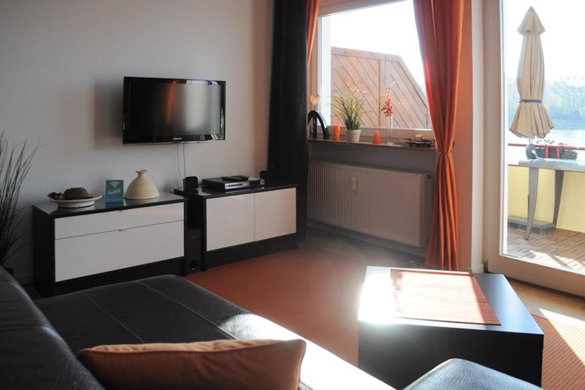 rheinblick590 ferienwohnung in koblenz mieten. Black Bedroom Furniture Sets. Home Design Ideas