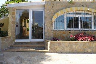 Floresmar   Ferienhaus mit 2 Wohng