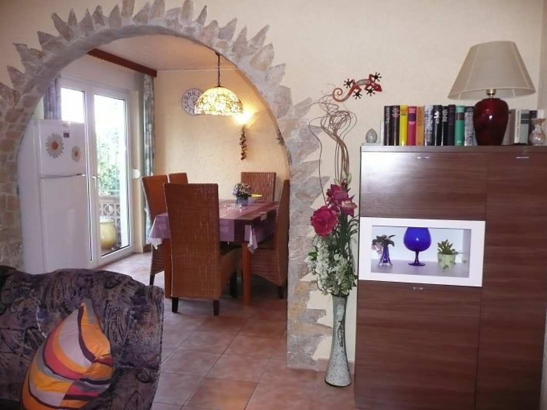 Casa wello obere wohnung ferienwohnung in pals mieten for Wohnzimmer 4m