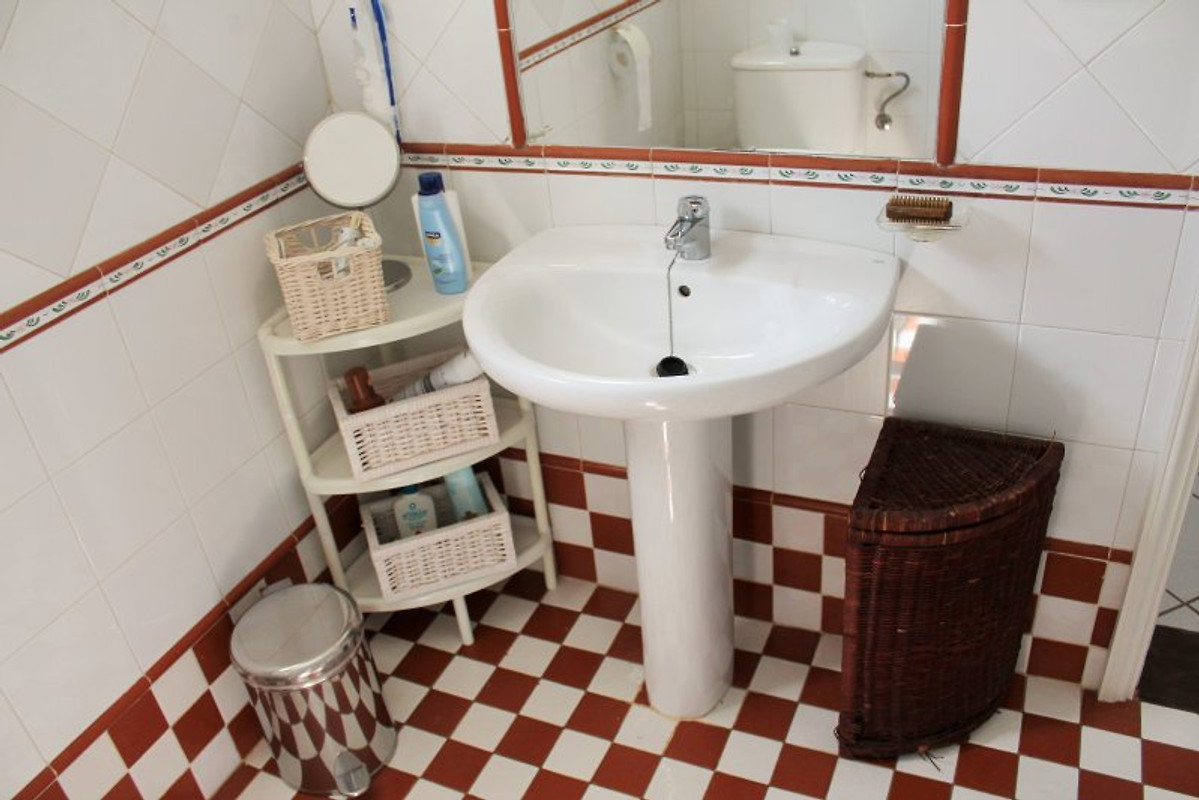 Appartamento ferienstudio los delfines appartamento in for Prezzi della cabina di tronchi di 3 camere da letto
