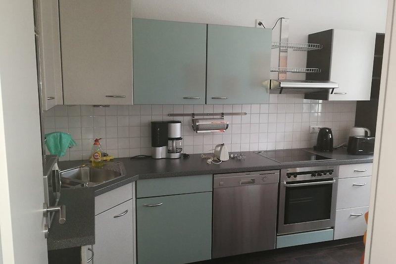 Küche m. Einbaugeräten