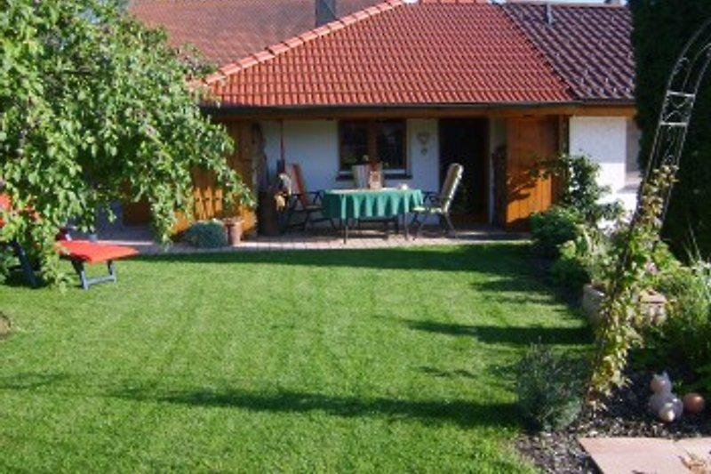 Doppelhaushälfte mit Gartenanteil